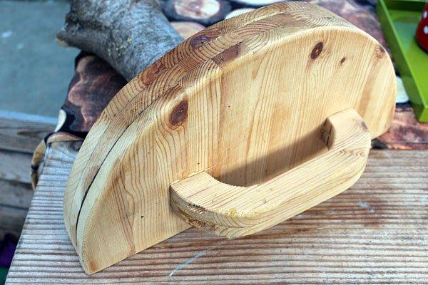 Zelfgemaakt houten dekseltje om de oven af te sluiten